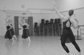 Ballet class 6 blurr mono